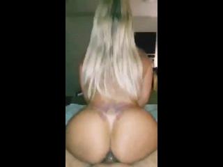 Xvideos sexo com gostosa loira da super bunda fudendo